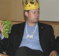 Harper joue à la monarchie et pendant ce temps? 30 décembre 2011